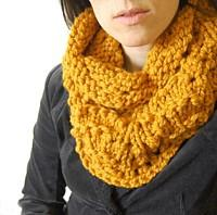 Chunky Lace Cowl